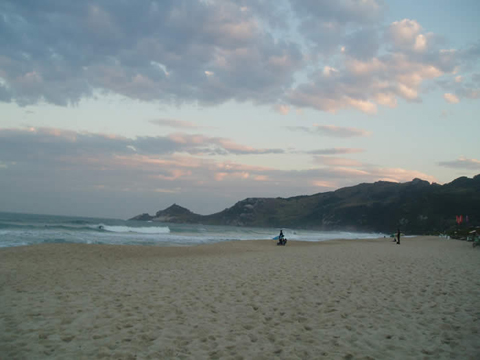 praia mole Top 5 Places to Learn to Surf