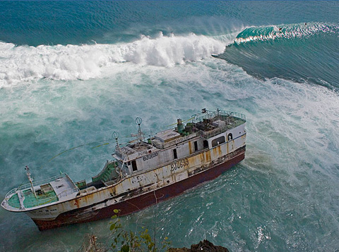 Fishing Boat Runs Aground on Padang Reef - Surfbreak in Bali