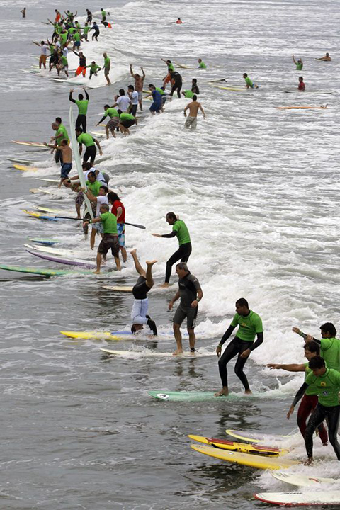 Most Surfers on a Wave, Brazil