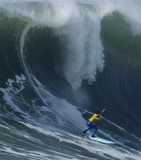Shane Desmond drops into a beast of a wave