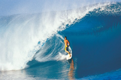 andy standing tube tahiti teahupoo surfing e1288850374179 Andy Irons Tribute Videos